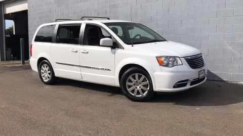 Certified Pre-Owned 2016 Chrysler Town & Country Touring